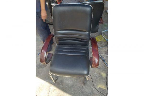Thanh lý ghế chân quỳ inox Q6