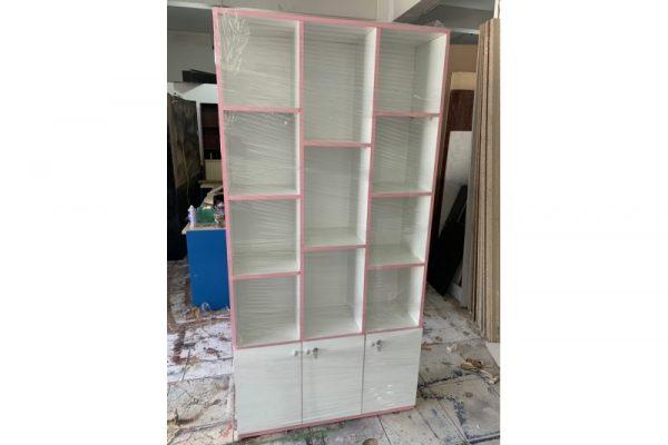 Thanh lý tủ mỹ phẩm trắng viền hồng giá rẻ