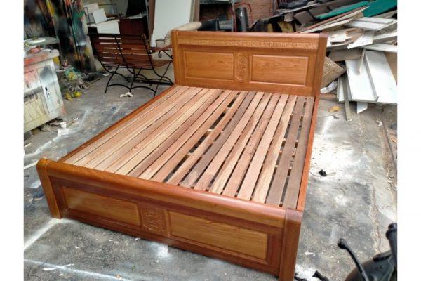 Thanh lý giường cũ gỗ xoan đào 1,6m M24