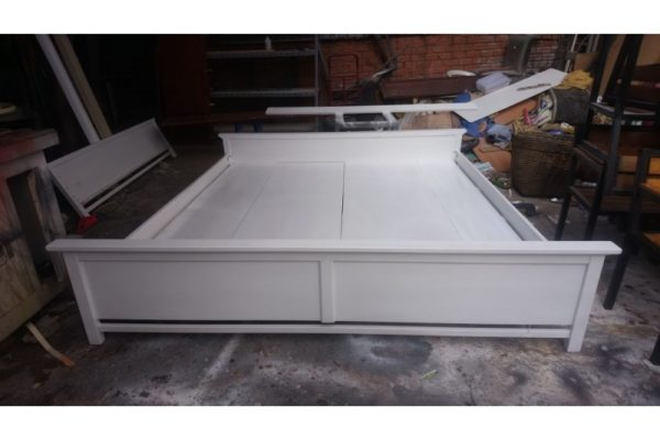 Thanh lý giường 2m màu trắng mẫu đẹp