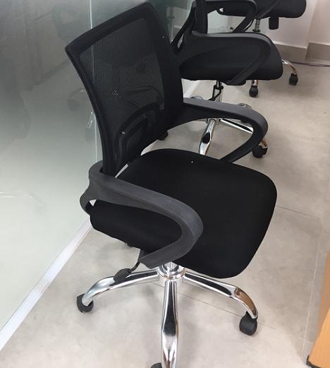 Chọn mua ghế xoay văn phòng thanh lý như thế nào?