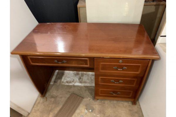 Thanh lý bàn giám đốc gỗ 1m4 M32 cũ giá rẻ