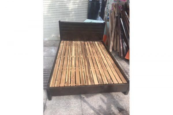 thanh lý giường gỗ cũ 1m1 màu đen