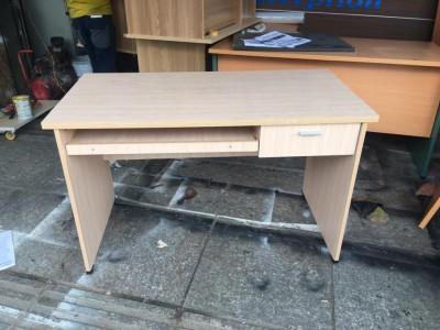 Bí quyết mua bàn ghế cũ cho nhân viên văn phòng