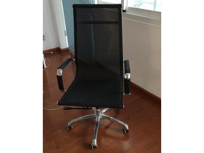3 cách tiết kiệm chi phí khi mua bàn ghế xoay cũ giá rẻ