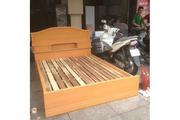 Thanh lý giường cũ 1m4 M34 màu vàng