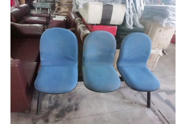 Thanh lý ghế chờ 3 chỗ nệm xanh