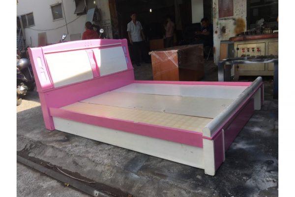 Thanh lý giường cũ 1m6 trắng hồng có hộc tủ