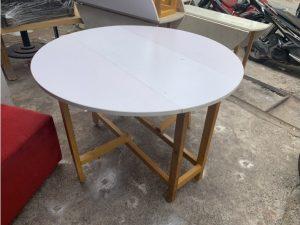 Thanh lý bàn ăn cũ hình tròn màu trắng