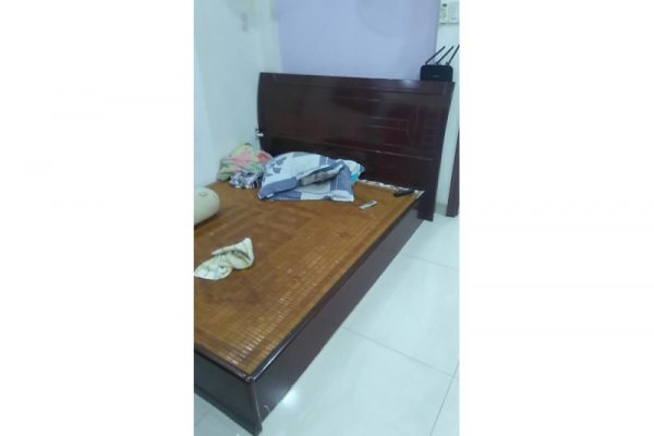 Thanh lý giường cũ 1m4 màu nâu