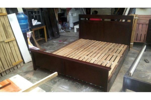 Thanh lý giường gỗ cũ 1m8 xuất khẩu