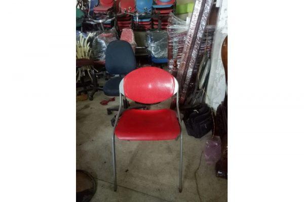 Thanh lý ghế chân sắt cũ màu đỏ giá rẻ