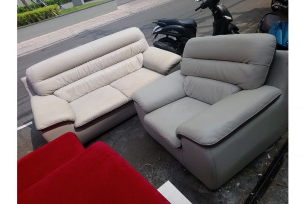 Thanh lý bộ sofa Vip trắng bọc da