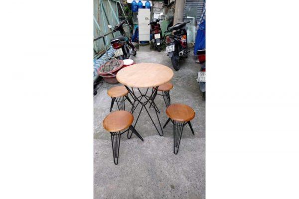 Thanh lý bộ bàn ghế cafe chân sắt mặt gỗ