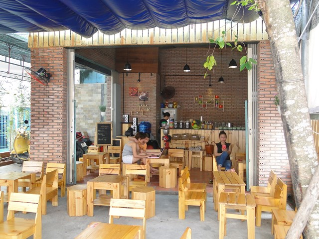 ban-ghe-cafe-thanh-ly