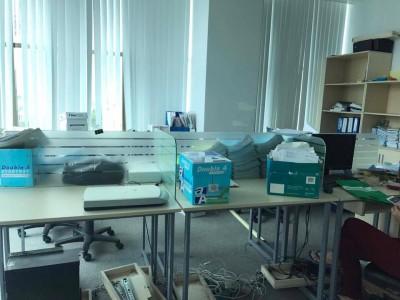 Những loại bàn làm việc giá rẻ cho văn phòng được ưa chuộng