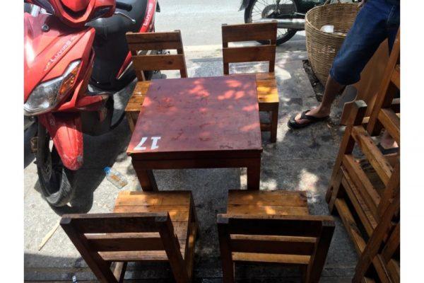 Bàn ghế cafe gỗ take away cũ M09
