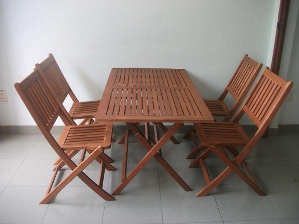 Mua bàn ghế cũ cho quán ăn