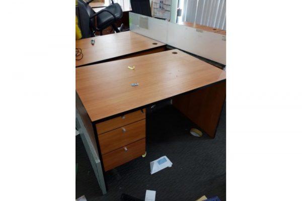Bàn văn phòng cũ 1m2 có hộc B1
