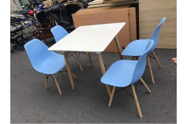 Thanh lý Bộ bàn 4 ghế cafe eames cao cấp giá rẻ