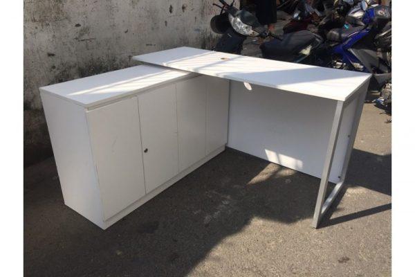 Thanh lý set bàn tủ trưởng phòng cũ 1.4mx1.2m giá rẻ