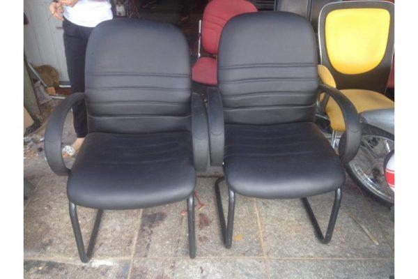 Bán ghế chân quỳ lưng trung cũ - da đen