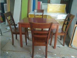 Thanh lý Bộ bàn ăn cũ 4 ghế gỗ tự nhiên giá rẻ
