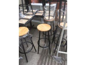 Thanh lý ghế bar mặt gỗ tròn tồn kho