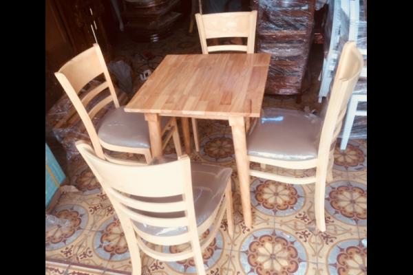 Thanh lý bàn ghế cafe cabin 4 ghế màu vàng