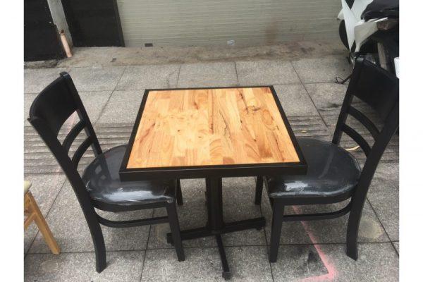 Thanh lý bộ bàn ghế cafe 01