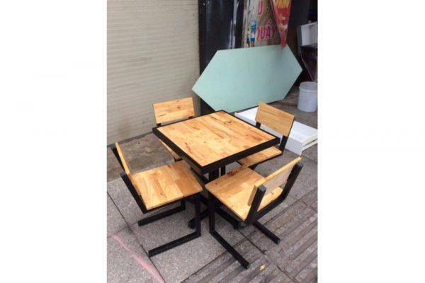 Thanh lý bộ bàn ghế cafe hàng đẹp 99%