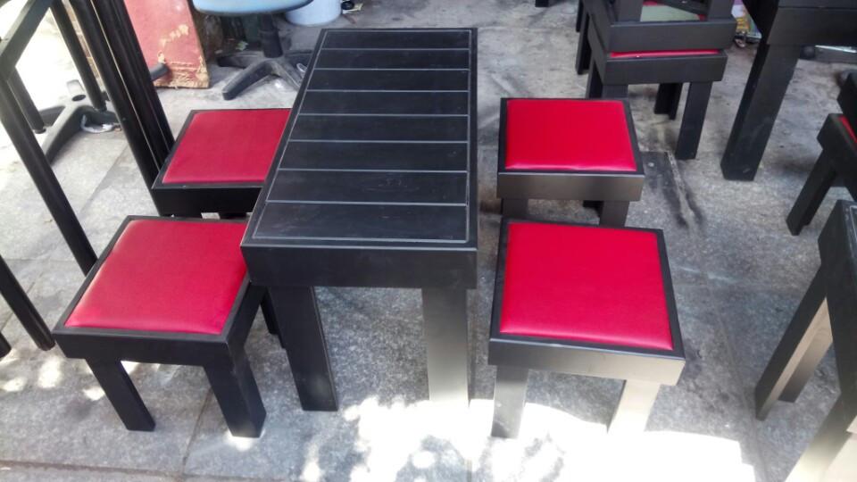 Thanh lý bàn ghế cafe giá rẻ, chất lượng mới 99% tại TPHCM