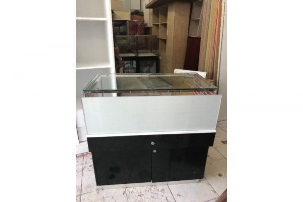Thanh lý tủ kính trưng bày cũ ngang 1m