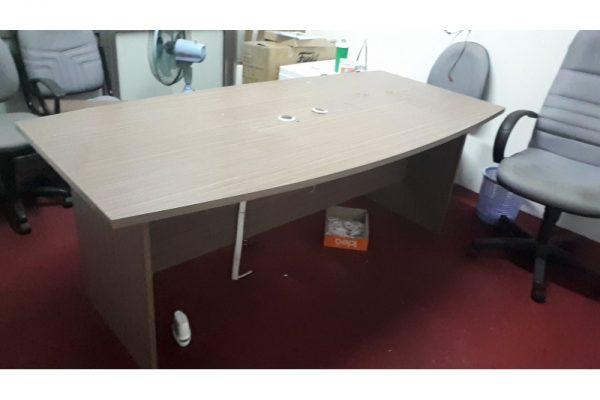 Thanh lý bàn họp cũ 2m oval màu nâu gỗ