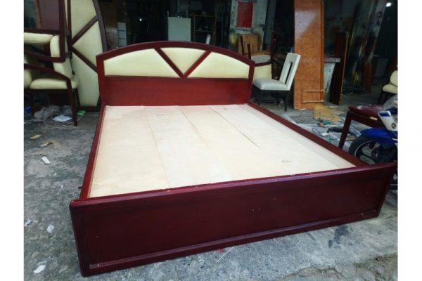 Giường ngủ 1m6 cũ hàng MDF vecnice xoan đào cao cấp