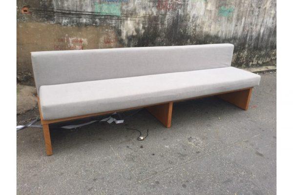 Thanh lý Băng ghế sofa gỗ bọc đệm vải 2m4 cũ giá rẻ - GSFC59