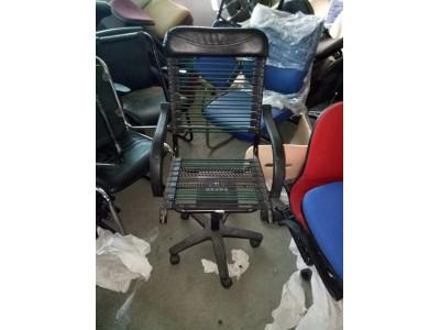 Mách bạn cách chọn mua bàn ghế văn phòng cũ tại TPHCM