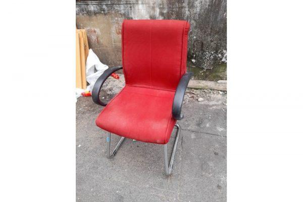 Thanh lý Ghế chân quỳ bọc đệm vải đỏ cũ - GVPC232