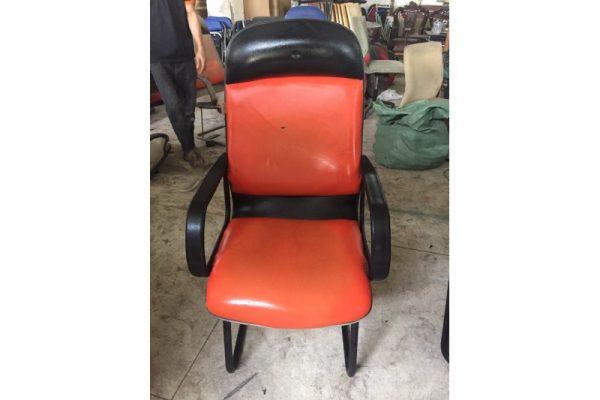 Thanh lý ghế chân quỳ simili cũ M05
