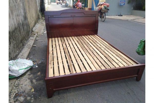 Thanh lý Giường gỗ 1m6x2m màu nâu cũ giá rẻ