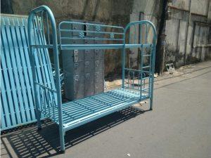 Thanh lý Giường tầng sắt cũ màu xanh 80cmx2m giá rẻ