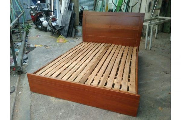 Thanh lý Giường gỗ 1m4x2m mới 90% tồn kho giá rẻ