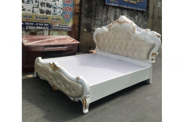 Giường gỗ Hoàng Gia tân cổ điển 1m8 bọc nệm cũ giá rẻ
