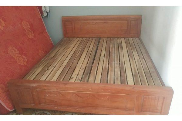 Thanh lý giường cũ gỗ xoan 1m8 giá rẻ