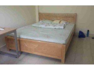 Thanh lý giường gỗ sồi 1m8 như mới