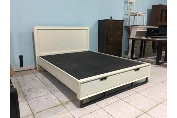 Thanh lý giường KING 1m55 x 2m màu kem
