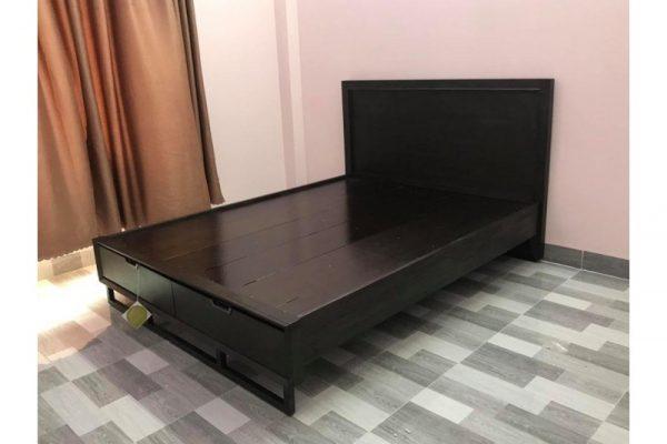 Thanh lý giường KING 1m55 x 2m màu đen