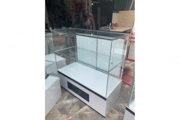 Tủ kính trưng bày trang sức cũ C30