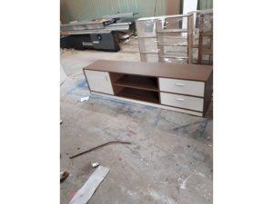 Kệ tủ tivi có hộc màu nâu trắng cũ C03