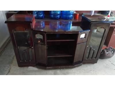 Bán tủ kệ tivi cũ với giá rẻ ngay tại thành phố Hồ Chí Minh